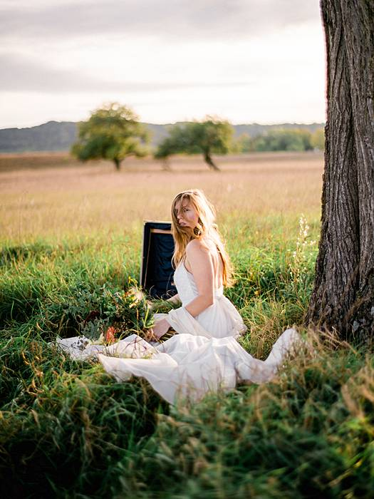 00038 1809 michigan sam fall film field styled bridal 34_web