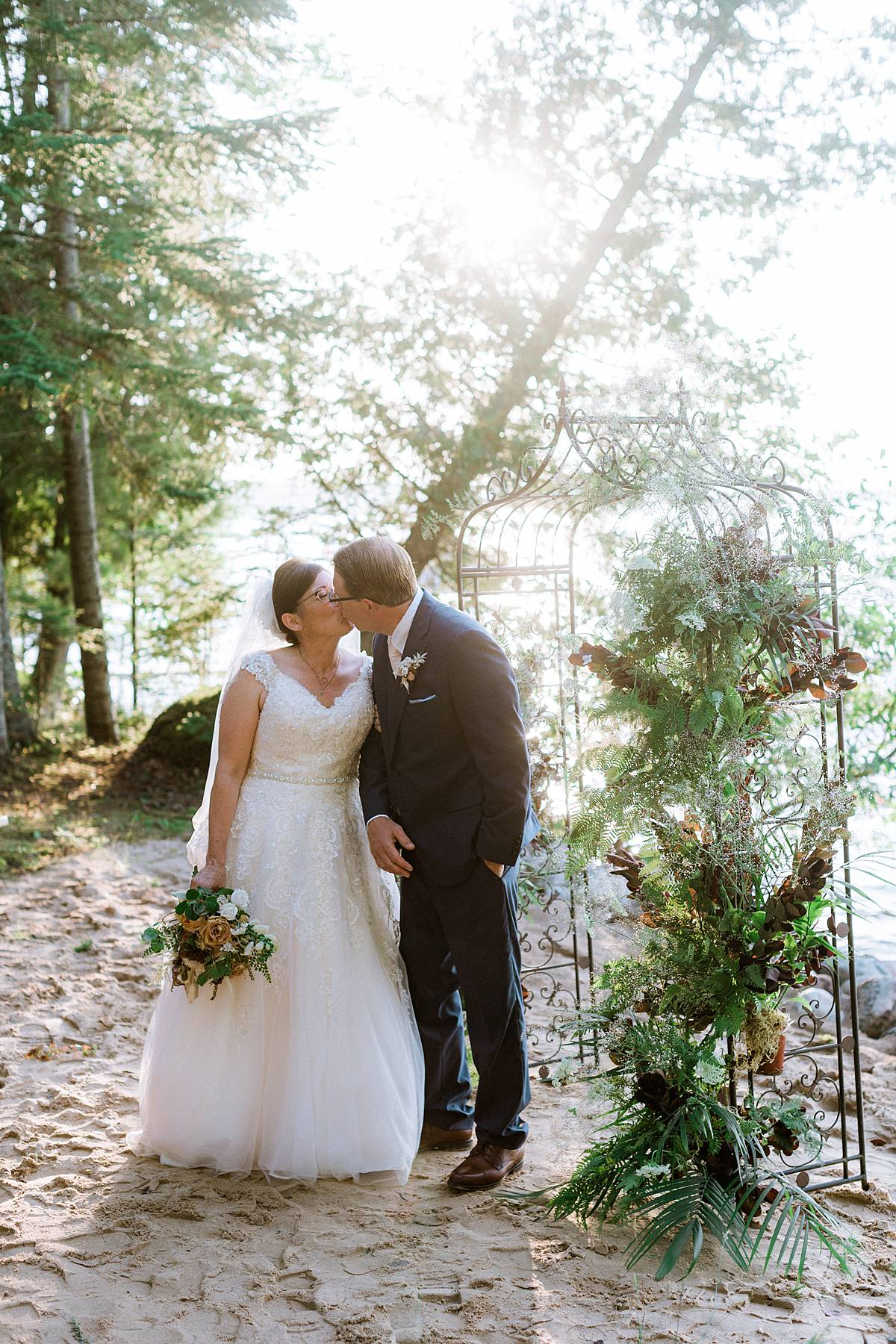 1907 onaway michigan august lake cottage wedding 00250_web