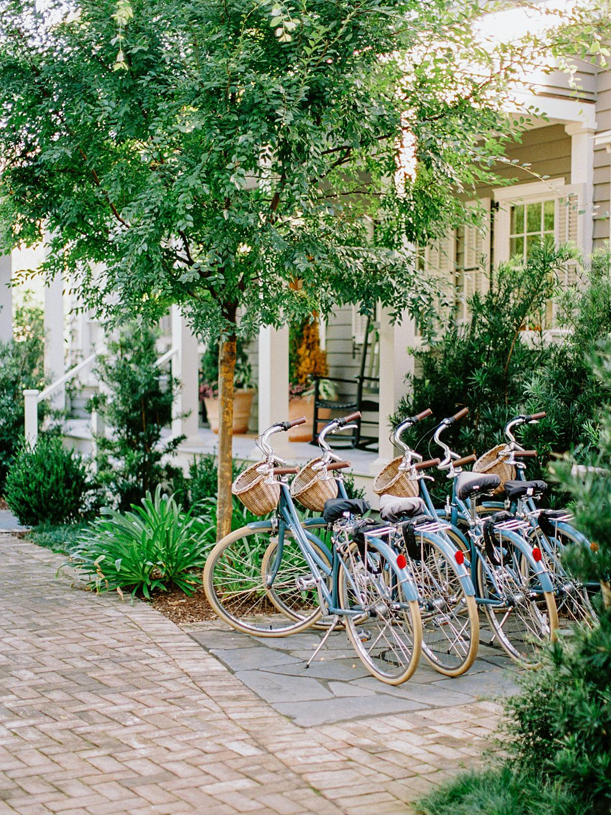 86 cannon charleston wedding venue bride getting ready hotel downtown with vintage bikes and courtyard
