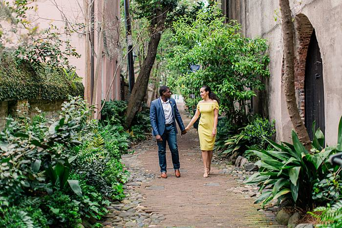 philidelphia alley engagement photography spring cobblestone ferns