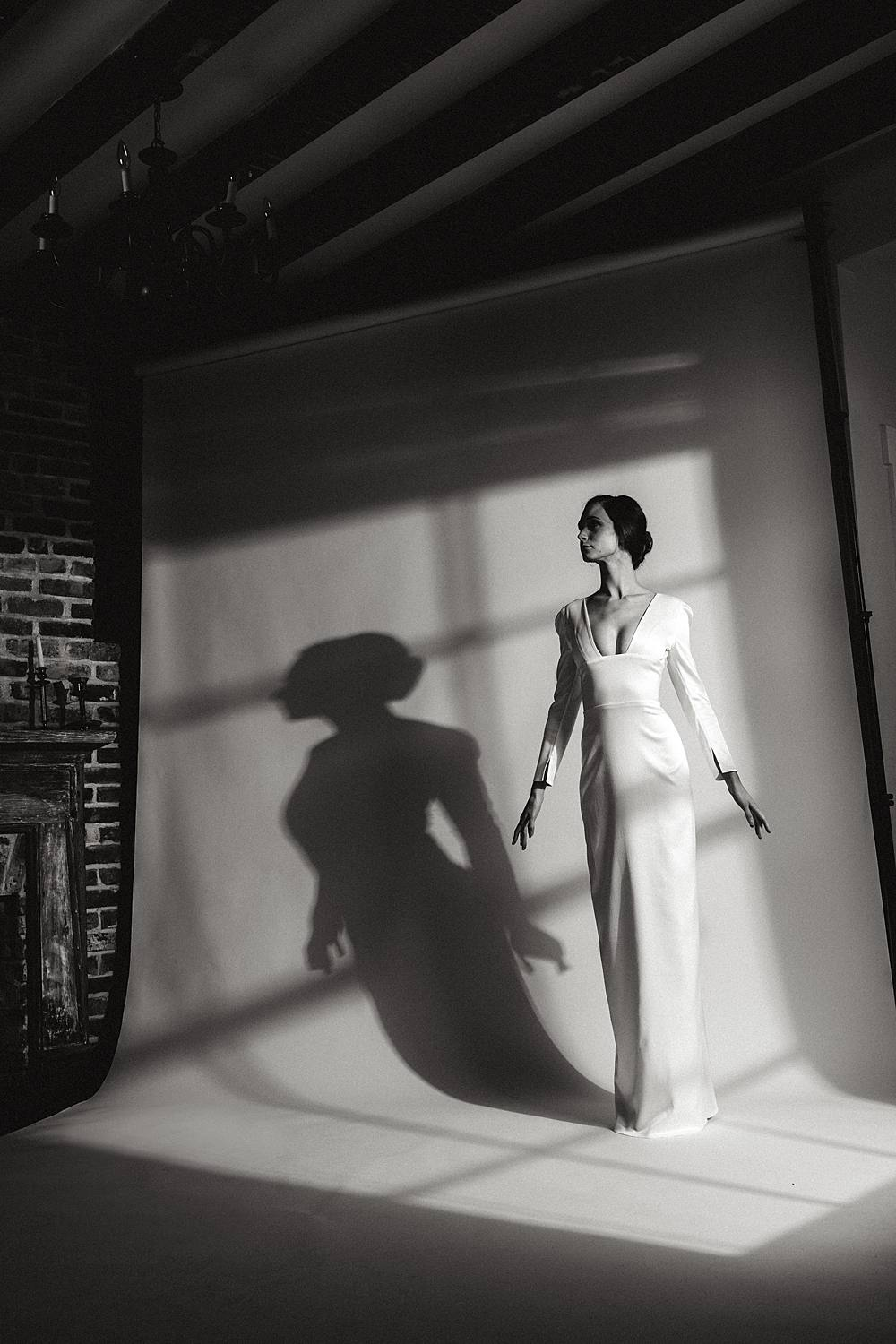 charleston sc studio bridal portrait black and white inspired by 1960s vogue glam fashion by brian d smith photgraphy