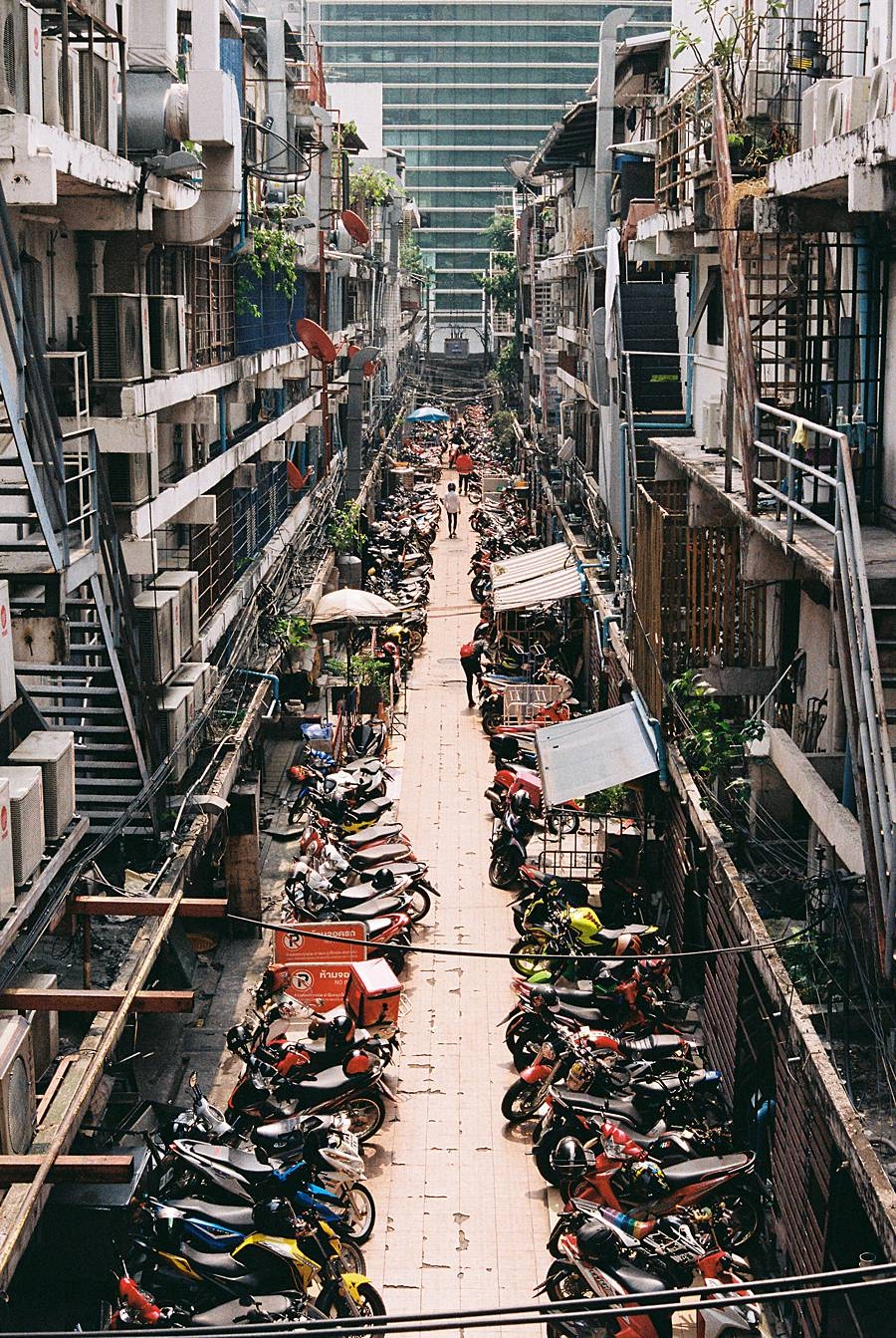 bangkok film kodak gold 200 contax g2 city asia travel backpacking